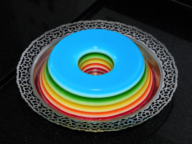 gostei-e-agora-gelatina-colorida-camadas-rainbow-jello-01